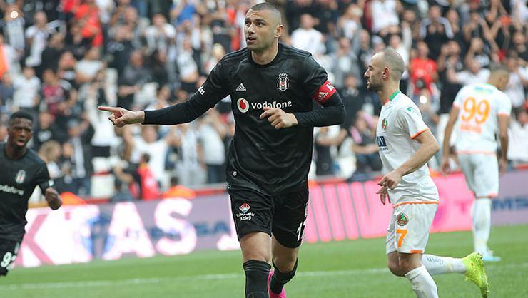 Beşiktaş'ın Gol Umudu Burak Yılmaz